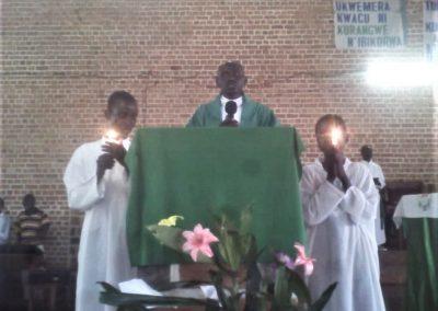 La Messa nella chiesa di Butezi (3)